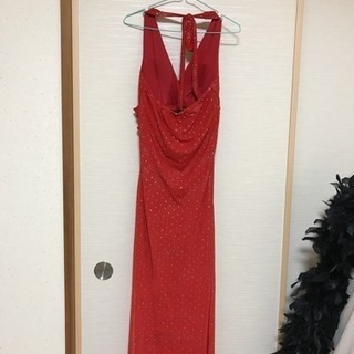 赤いロングドレス
