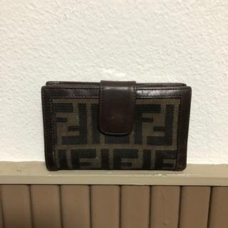 FENDI  二つ折り財布