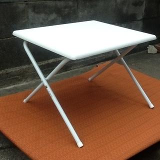 折りたたみコンパクトテーブル、机、デスク 可愛いホワイトです リユ...