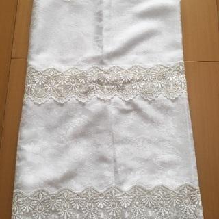 新品と中古 二枚 白のカフェカーテン