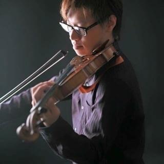 園田駅から10分♪気軽に通えるバイオリン教室です♪