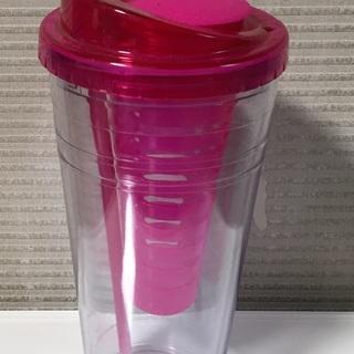 アメリカで買ったフルーツ水用カップ