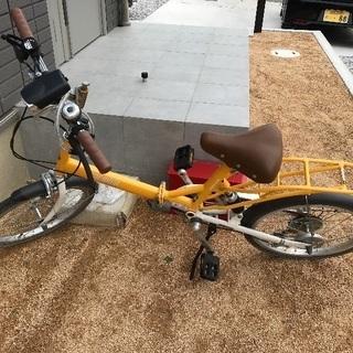 折りたたみ自転車、ヘルメットあり