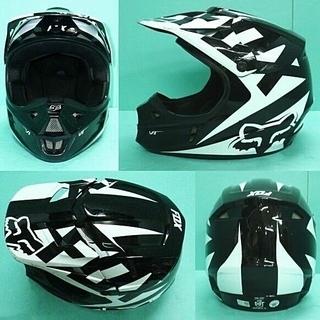 オフロードヘルメット fox V1