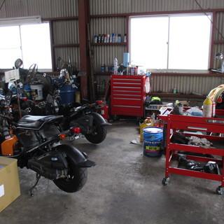 バイク解体&部品販売   週末のみでもOKです!