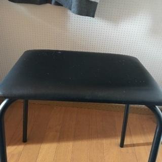 訳あり家具椅子。
