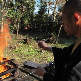 仏壇はお伺いしてその場で抜魂供養をしてから引き取ります、お焚き上...