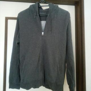 灰色パーカーLサイズ