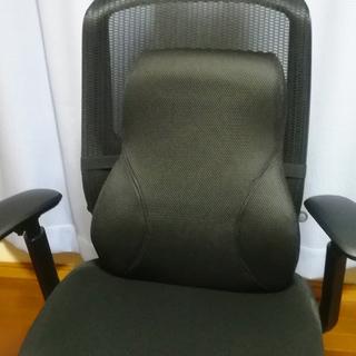 椅子や車で使えるランバーサポート(背もたれ) 腰痛対策や姿勢矯正に。