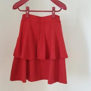 赤のフレアースカート 新品今ちょうどよい時期です。