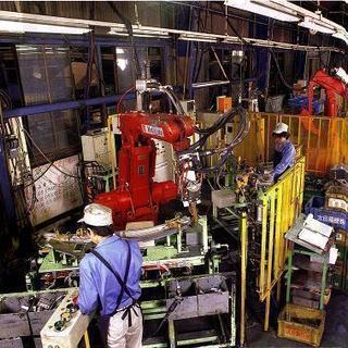 交替勤務・残業多めでしっかり稼げる自動車部品製造工場