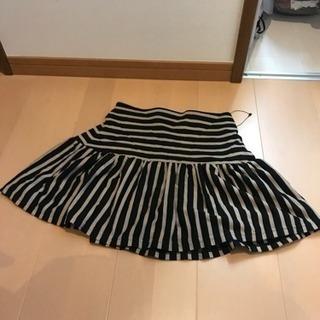 イーハイフンのスカート