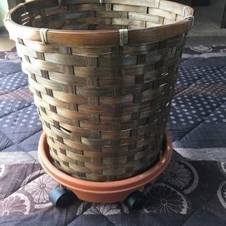 観葉植物の鉢カバー(コロ付)