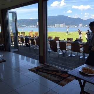 琵琶湖が一望できるカフェバイト