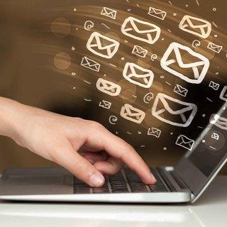 ビジネス英語メール ~ WRITING BUSINESS EMAILS