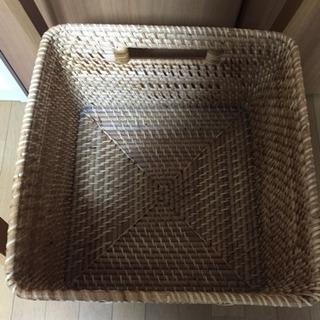【引越しのため期間限定】無印良品 木製ハンガーラック(カゴ付き) − 宮城県