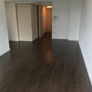 住宅塗装 平屋15万円、2階建て35万円(足場込み)から承ります。