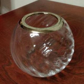 ガラス花びん直径15センチ(中古)
