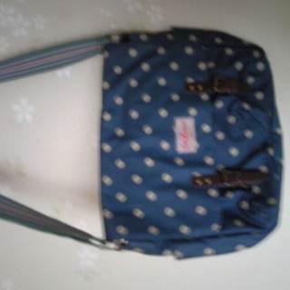 水玉模様のショルダーバッグ
