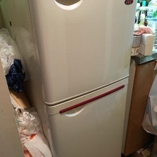可愛い一人暮らし用冷蔵庫 東芝製の画像