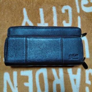 すごく沢山入る財布