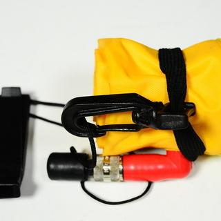 ダイビング器材小物 中古美品(緊急用シグナルフロート)