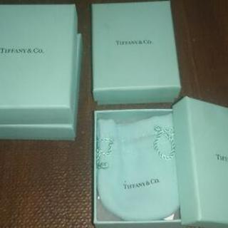 【TIFFANY & Co.】箱 & ティファニー袋