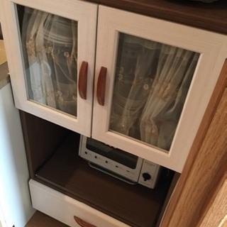 小さな食器棚(カントリー風)