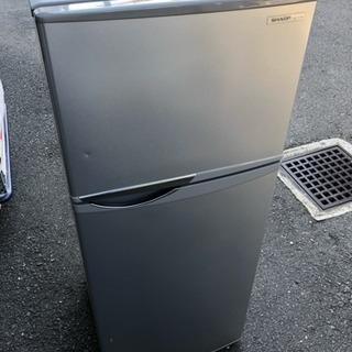 配達可能 2013年製 シャープ 120Lクラス 2ドア冷蔵庫 1...