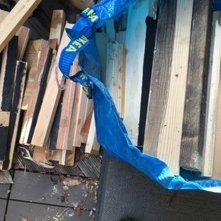 廃材 木材 IKEAの袋大で2袋分 薪 焚き火 薪ストーブ