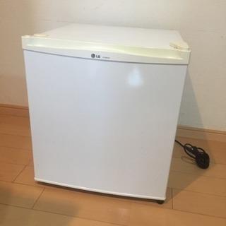 ●小型冷蔵庫●46ℓ