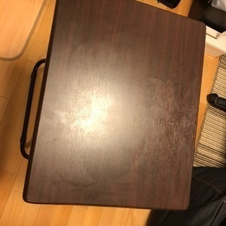 ニトリの折りたたみテーブル2つ