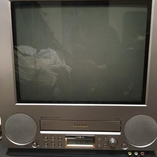 【使用感あり】昔ながらのブラウン管テレビデオ。