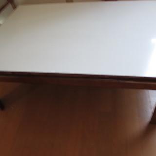 板の二面を使える座卓(こたつ)