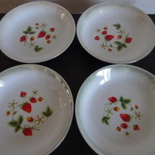 いちごの皿4枚セット