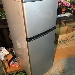 東芝冷蔵庫145リットル 引き取りのみ