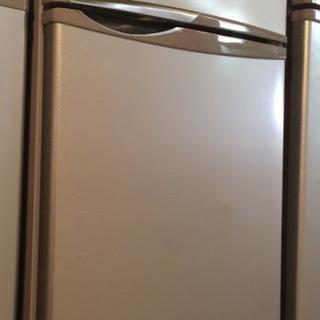 【送料無料・設置無料サービス有り】冷蔵庫 SHARP SJ-H12...