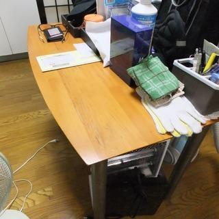 【交渉中】シンプルなテーブルと椅子のセット