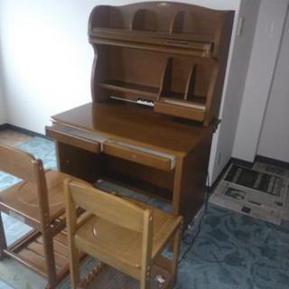 勉強机、椅子 無料で差し上げます!