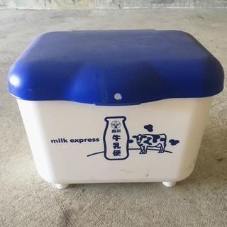 牛乳ケース