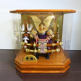 【売却済】兜飾り 五月人形 かぶと オルゴール付 アクリルケース入り