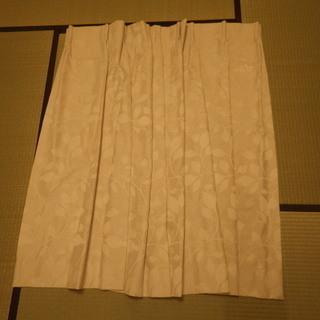カーテン ニトリ遮光 グリット2BE 幅130丈120 1枚