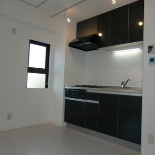 茨木中心部の閑静な住宅街にあるリフォーム済マンション、即入居可!
