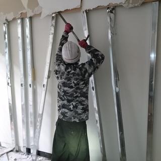 内装解体工事作業員募集中! 月給25万円 社保完備