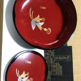 紅花漆器  菓子器と銘々皿4枚のセット