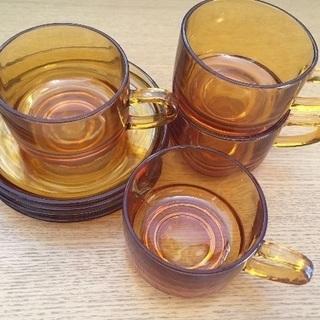 飴色ガラスのカップ 4客セット