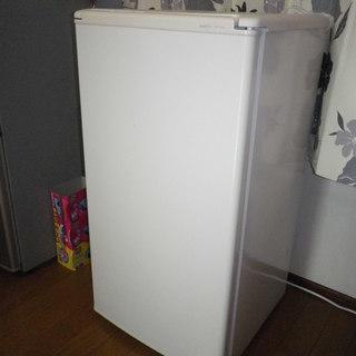 サンヨー小型1ドア冷蔵庫SR-YM80(75L)