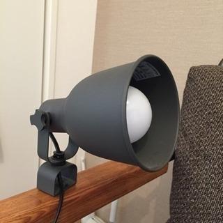 【美品】IKEA ライト ランプ クリップ式 スポットライト 卓上