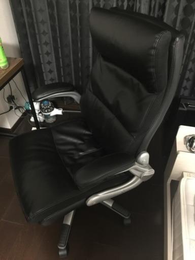 というわけで今回買ってきたのはニトリのタンパ3という椅子。この椅子よりも高い椅子もニトリにはあったけれど、この椅子が一番座りやすいと思って購入しました。