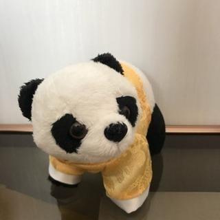 香港の空港で買ったパンダのぬいぐるみ